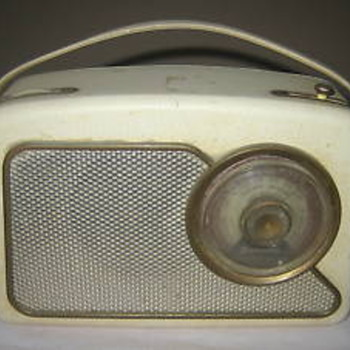 Dansett RT111 Portable transistor radio - Radios
