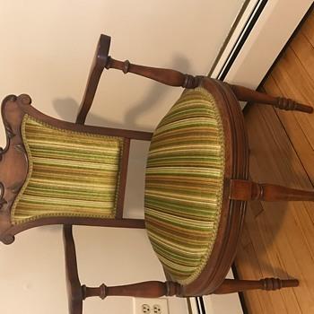 5 legged chair - Furniture