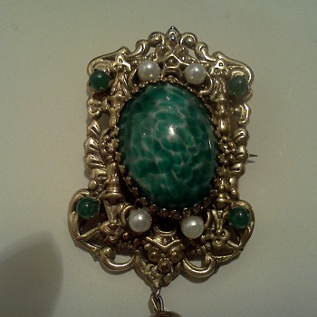 Vintage Pin/Pendant Repousse Glass Cabachon - Costume Jewelry