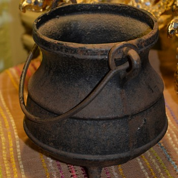 Old Cast Iron Smudge Pot!