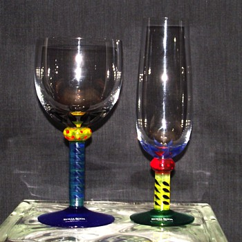 KOSTA BODA WINE GLASSES DESIGN BY KEN DONE
