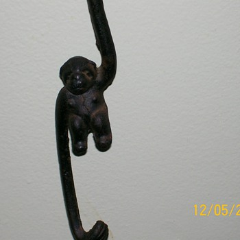 My Cast iron locking Monkeys that want to met Roys !  - Animals