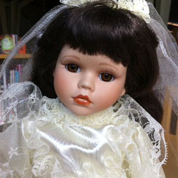 ??? Bride Porcelain Doll ??? (King City)