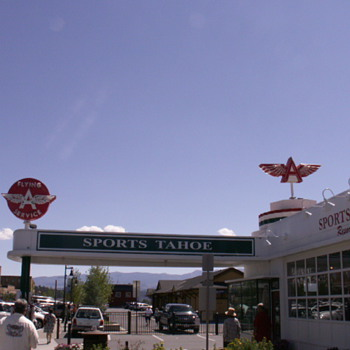 Flying A Service Station, Truckee, CA. - Petroliana