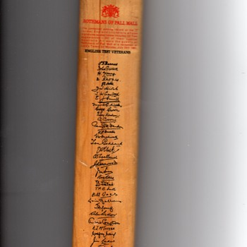 Gradidge made in England, Imperial Driver Commerative Minature Cricket Bat signed 1963 test veterans