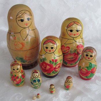 Nesting Dolls, set of 9, beautiful set