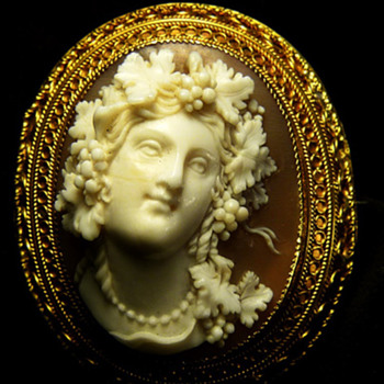Lovely full faced cameo of Aridine - Victorian Era