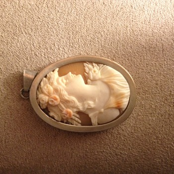 antique cameo pendant - Fine Jewelry