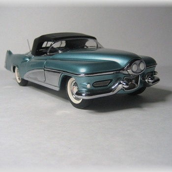 1951 LeSabre Concept Die-Cast Replica - Model Cars