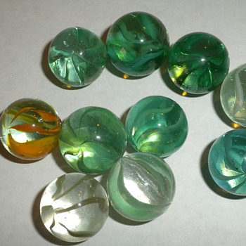 10 Antique greens, blues, and 1 orangish-yellow onionskin marbles - Art Glass