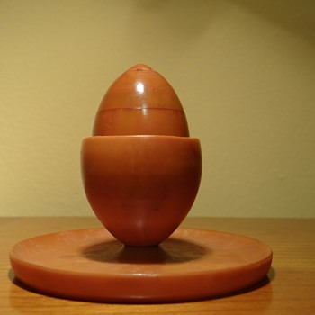 BAKELITE - HARDBOILED EGG HOLDER AND SALT SHAKER