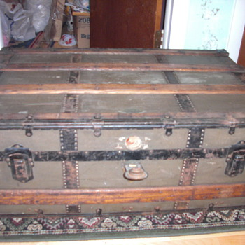 Antique trunk - Furniture
