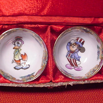 Disney MICKEY MOUSE & DONALD DUCK SAKE CUPS w/BOX - China and Dinnerware