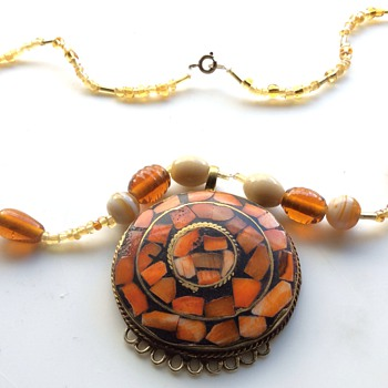 Vintage necklace and pendant - Costume Jewelry