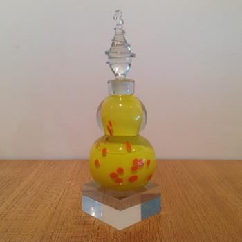 SETSUKO OGISHI PERFUME - AUSTRALIA - Art Glass