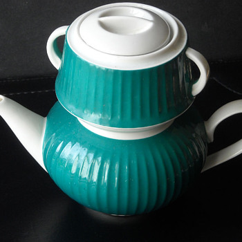 Retro 2-tiered Teapot/Kaffe pot MAKER? GroBe?  - Kitchen