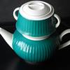 Retro 2-tiered Teapot/Kaffe pot MAKER? GroBe?