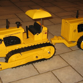 Custom International Harvester TD-30 Tandem Bulldozer - Model Cars