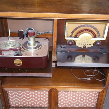 Zenith Console Radio