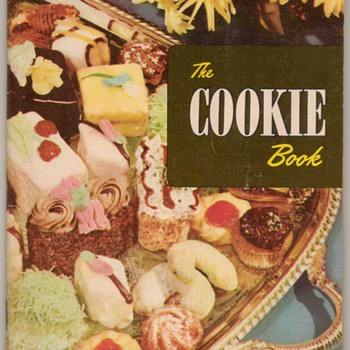 1950 - 250 Cookie and Small Cake Recipes - Books