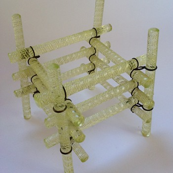Victorian uranium glass stand composed of wired rods
