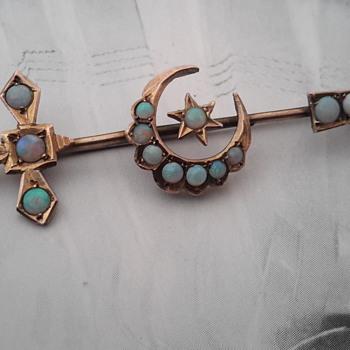 Antique Australian 9ct gold opal sword & crescent brooch  - Fine Jewelry