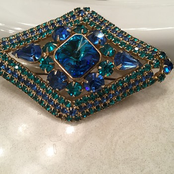 LOTS OF BLUES - Costume Jewelry