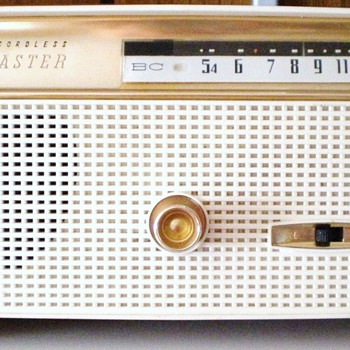 1960 Channel Master Model 6510 Cordless Transistor Radio - Radios