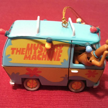 Mystery Machine Christmas Ornament! - Christmas