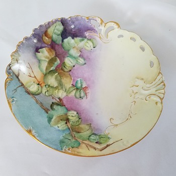 Haviland France Plate with gold trim