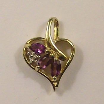 Old 14k gold-Diamond-Amethyst Heart Pendant