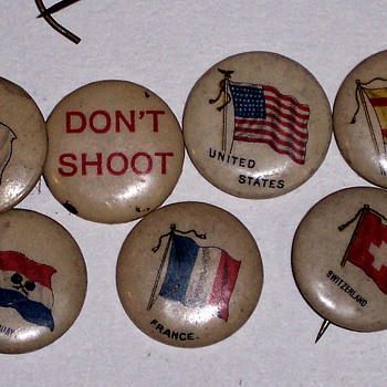 OLD CIGARETTE AD PINS - Advertising