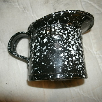 U.S. Navy  Graniteware 1 GIL  MEASURING PITCHER - Kitchen