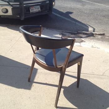 Mid-Century Modern Chairs - Mid-Century Modern