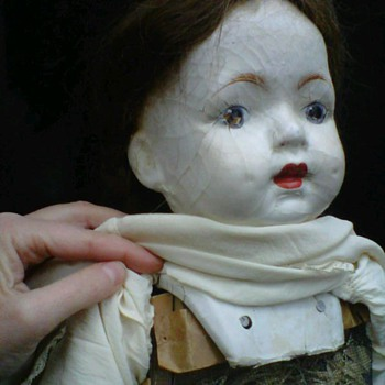 kinda creepy but lovely, old doll - Dolls