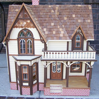 Large Wood Doll House  kit ? - Dolls