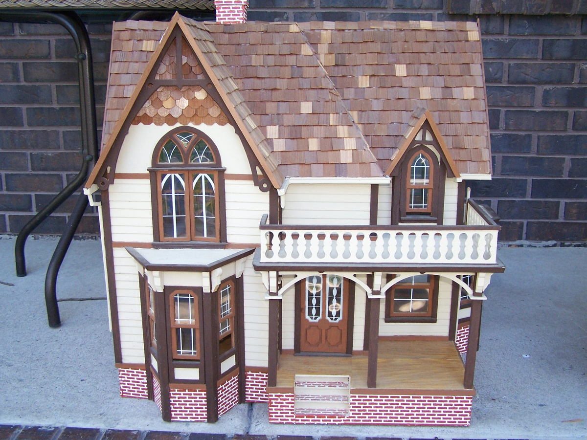 large wood doll house kit collectors weekly. Black Bedroom Furniture Sets. Home Design Ideas
