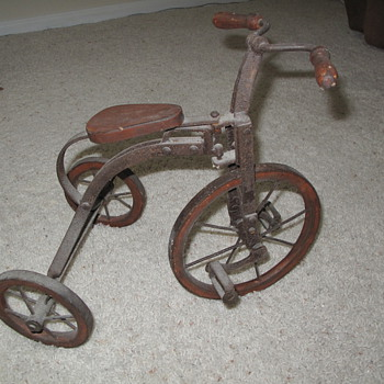 Old bicycle ...  Trash OR Treasure? - Sporting Goods