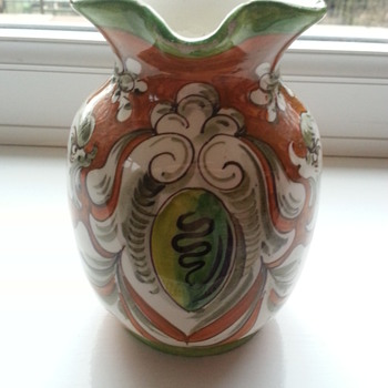 Anyone know the maker? - Pottery