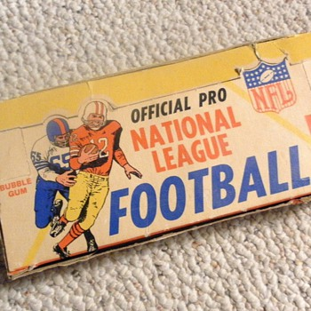 64 PHILADELPHIA GUM CO. - Football