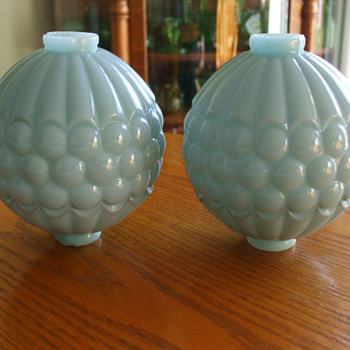 Turquoise LIGHTNING ROD BALLS- Any Ideas on Dating? - Glassware