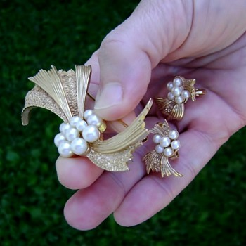 Crown Trifari Brooch and Earrings - Costume Jewelry