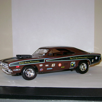 1968 Dodge Charger - Model Cars