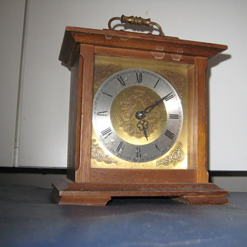 Antique German 1950's Europa mantle clock.  - Clocks