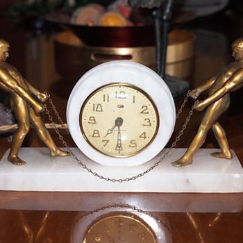 White Alabaster Male Figural New Haven Clock, 1925-30 - Art Deco