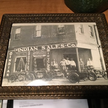 INDIAN MOTORCYCLE AND BICYCLES PHOTO