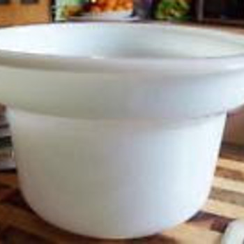 Sunbeam white mixing bowl