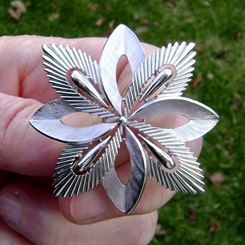 Crown Trifari Brooch - Snowflake - Costume Jewelry
