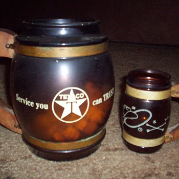 Texaco pitcher and mugs  - Petroliana