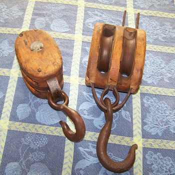 Wooden and Duel Cast Iron Pulley's - Tools and Hardware